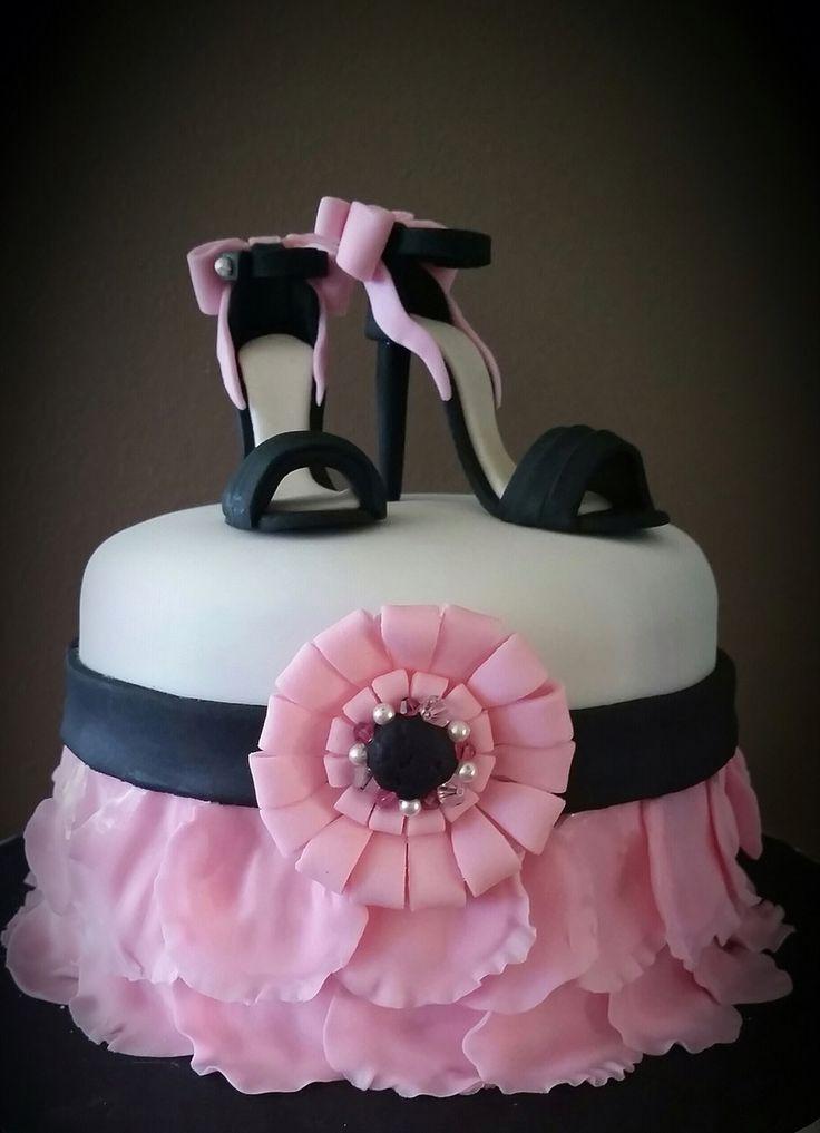 18Th Birthday Gift Ideas For Girl  49 best 18th Birthday Cake for girls images on Pinterest