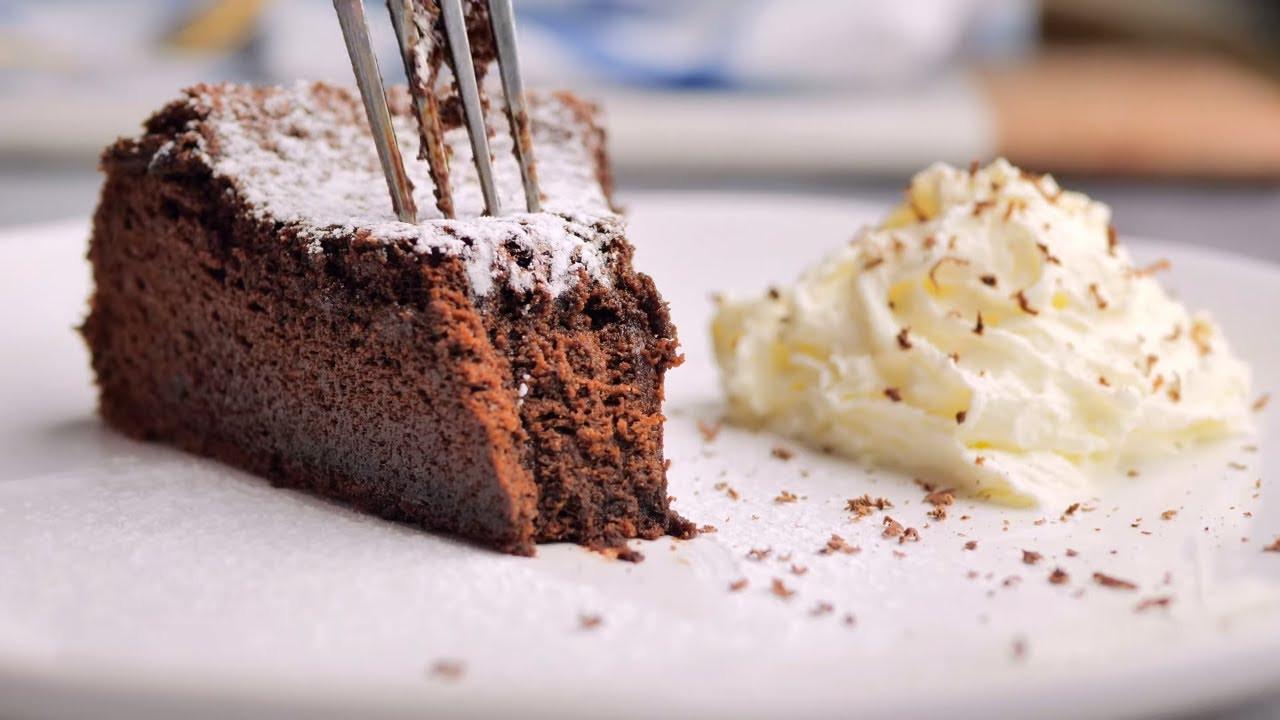 2 Ingredient Chocolate Cake  ly 2 Ingre nt Chocolate Cake