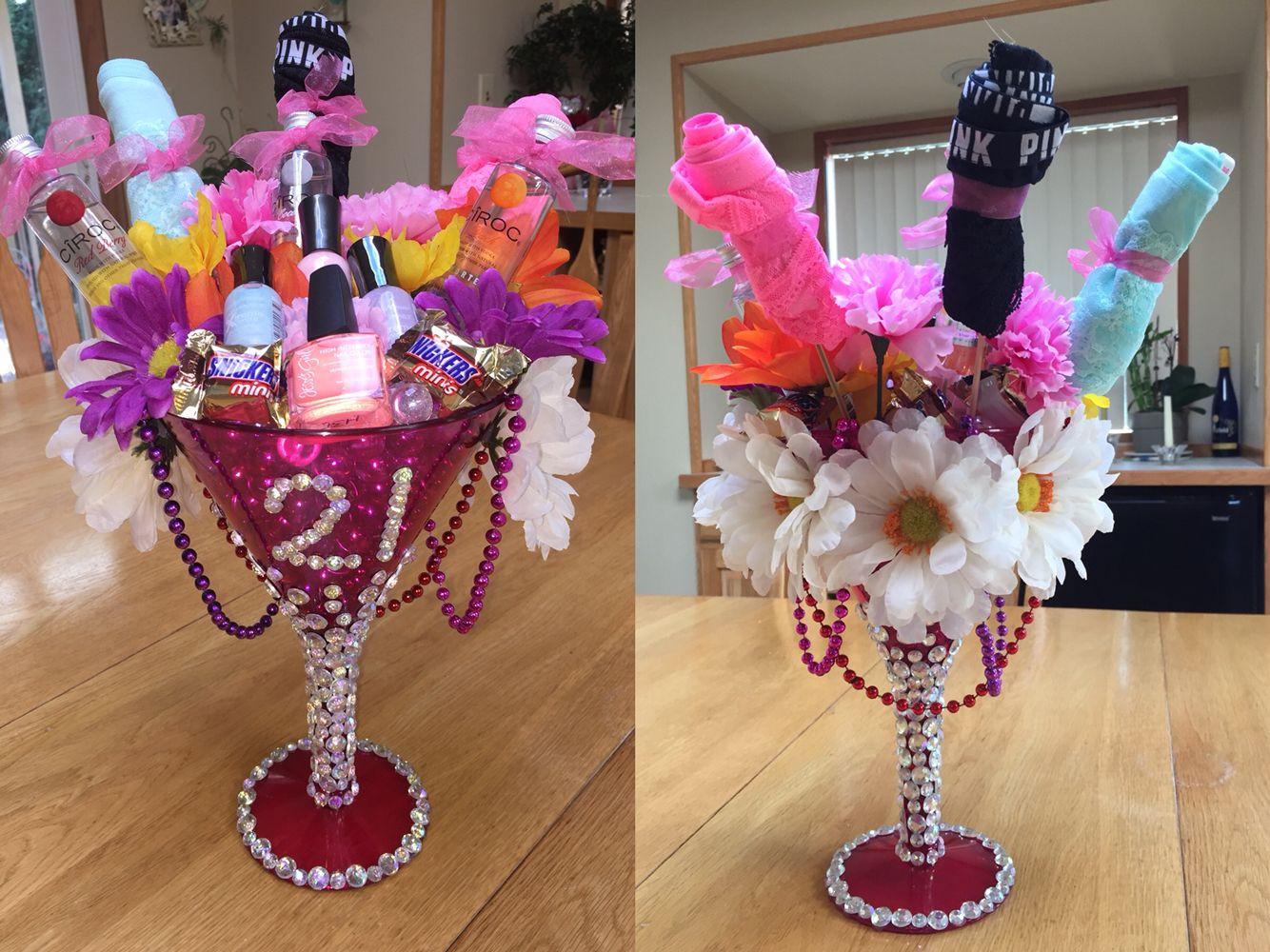 21St Birthday Gift Ideas For Girlfriend  Best 25 21st birthday ts for girls ideas on Pinterest