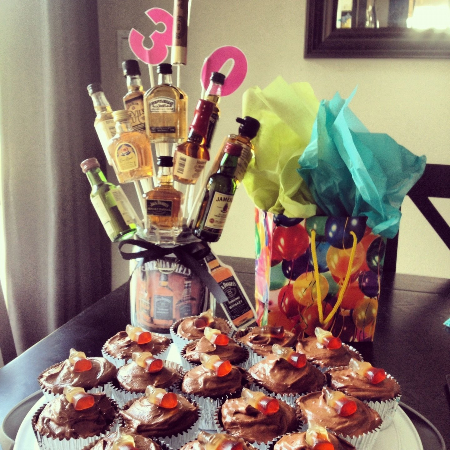 30Th Birthday Gift Ideas For Him  10 Famous Male 30Th Birthday Party Ideas 2019