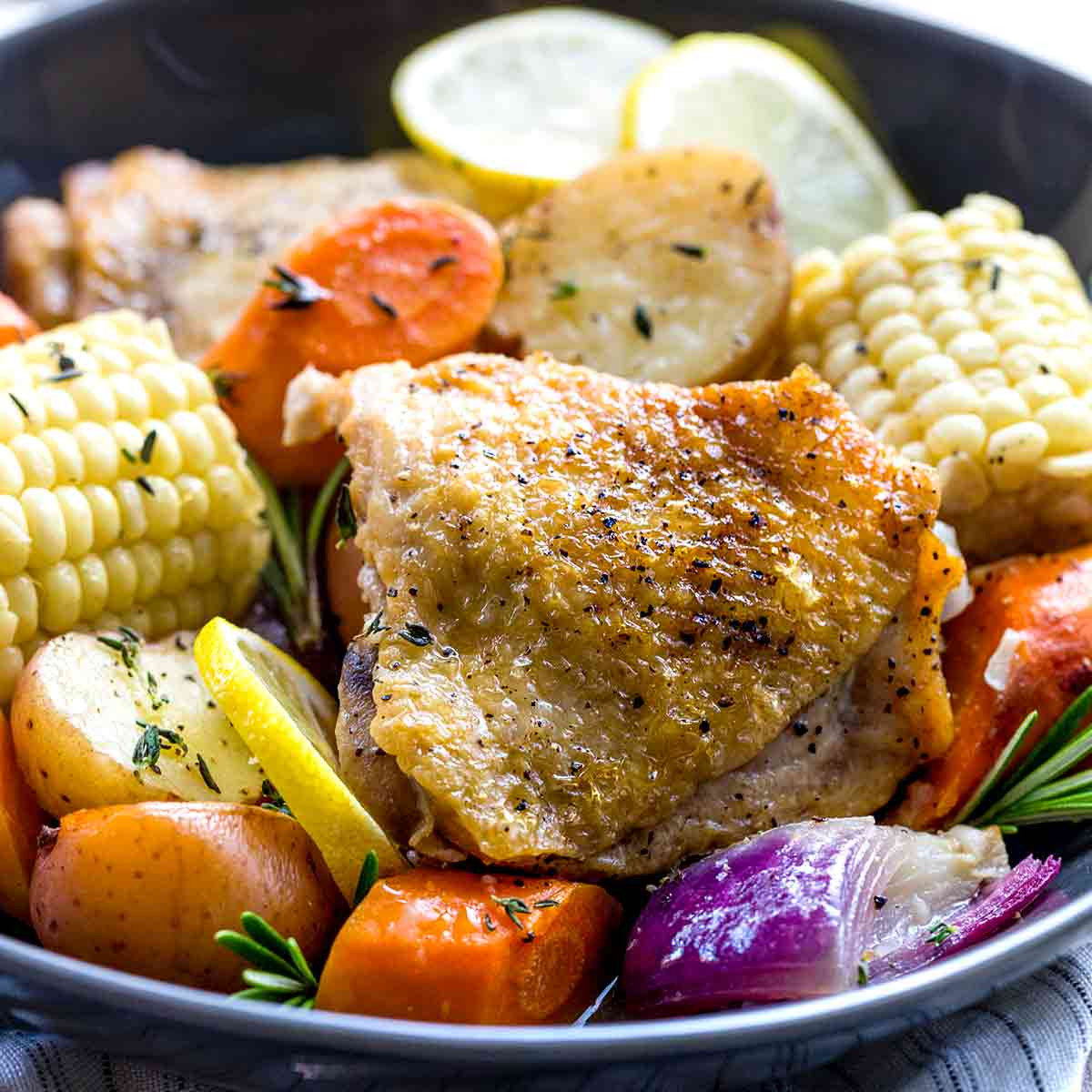Bone In Chicken Thighs Slow Cooker  Slow Cooker Chicken Thighs with Ve ables