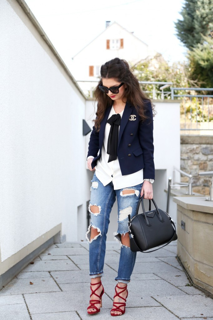 Brooches Outfit  FLAUNT THE STREETS WITH STYLISH SPRING OUTFITS Godfather