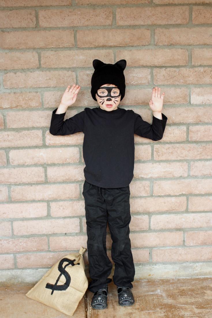 Burglar Costume DIY  Easy Cat Burglar Costume
