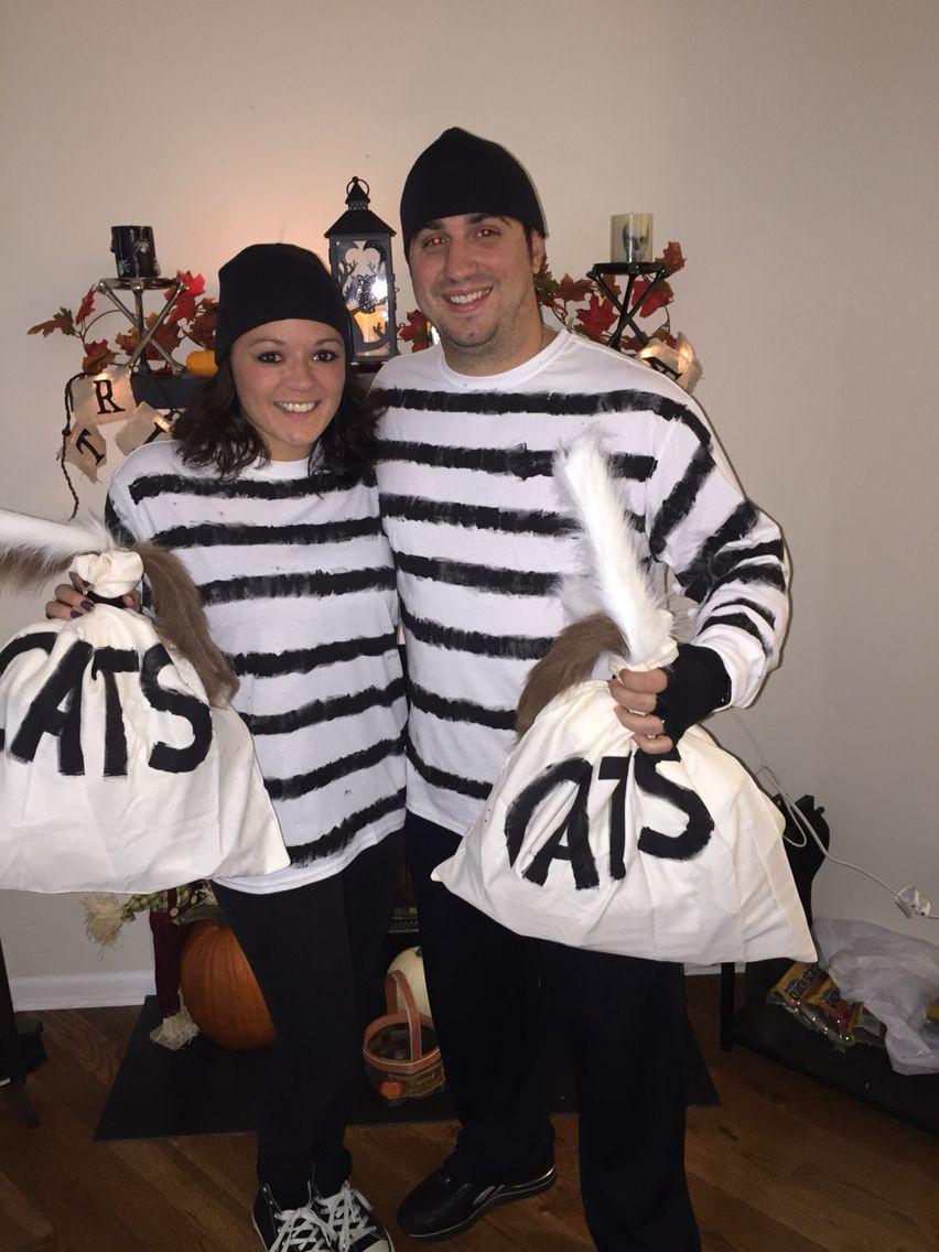 Burglar Costume DIY  Couples Halloween Costume Idea Cat Burglars Get it Old