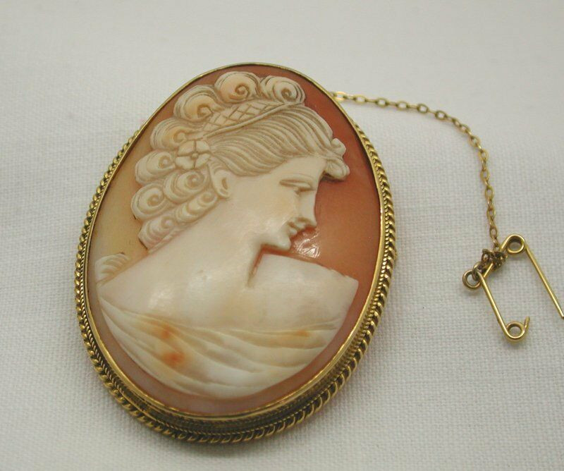 Cameo Brooches  Vintage Beautiful 9ct Gold Mounted Carved Cameo