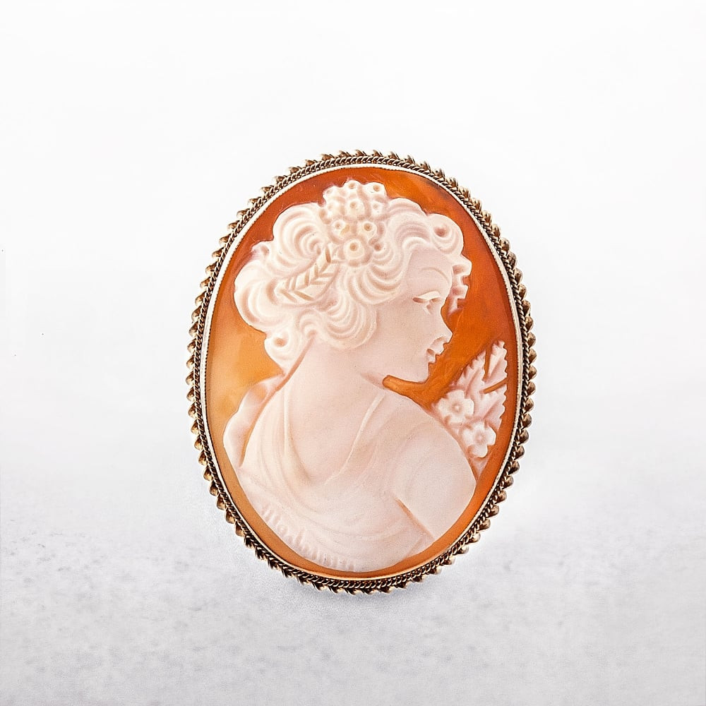 Cameo Brooches  9ct gold vintage cameo brooch
