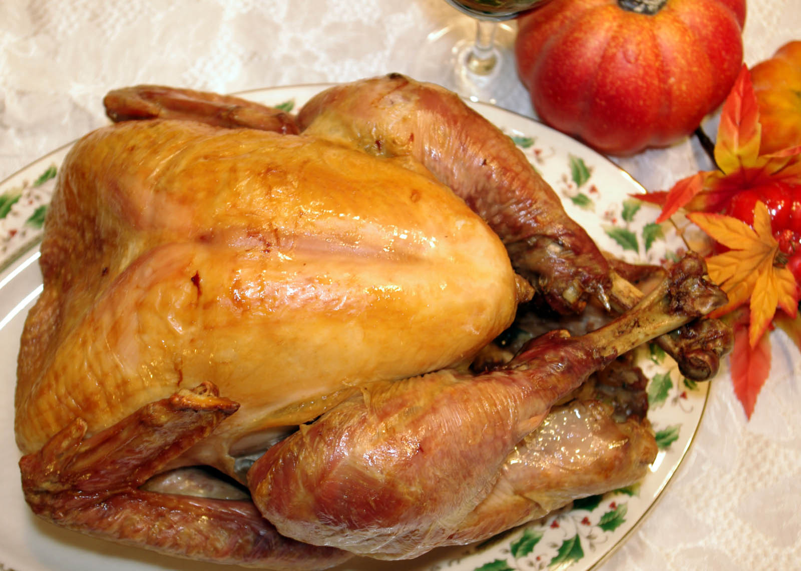 Cooked Thanksgiving Turkey  How To Cook A Turkey And Gravy