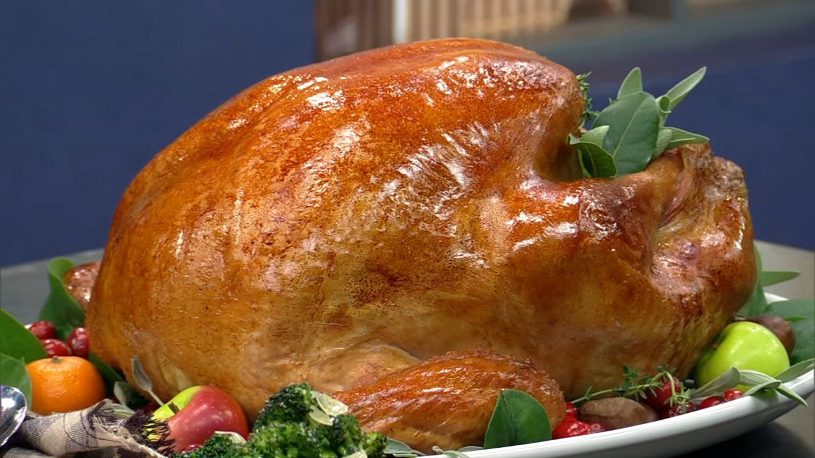 Cooked Thanksgiving Turkey  How to cook a turkey Recipes cooking times from