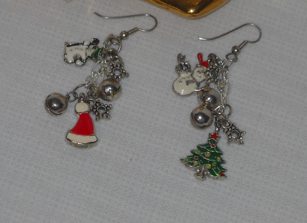 DIY Christmas Jewelry  Show Me Crafting DIY Christmas Jewelry