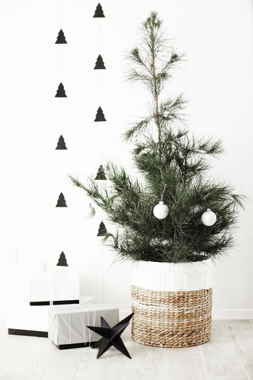 DIY Christmas Tree Garland  DIY Christmas tree garland A Charlie Brown tree — Kristi