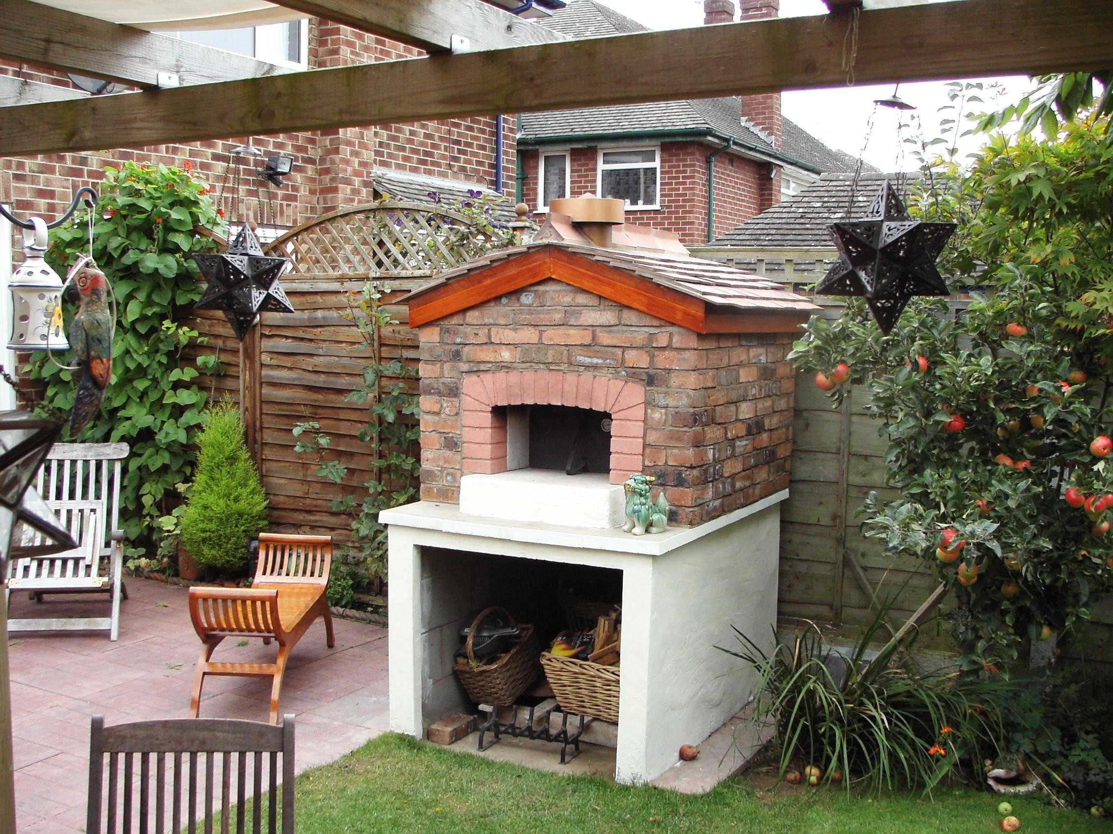 DIY Fireplace Outdoor  DIY Outdoor Brick Fireplace
