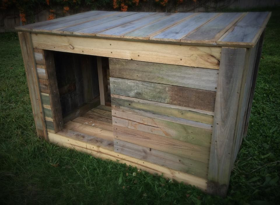 DIY Large Dog House  DIY Pallet Doghouse BigDIYIdeas