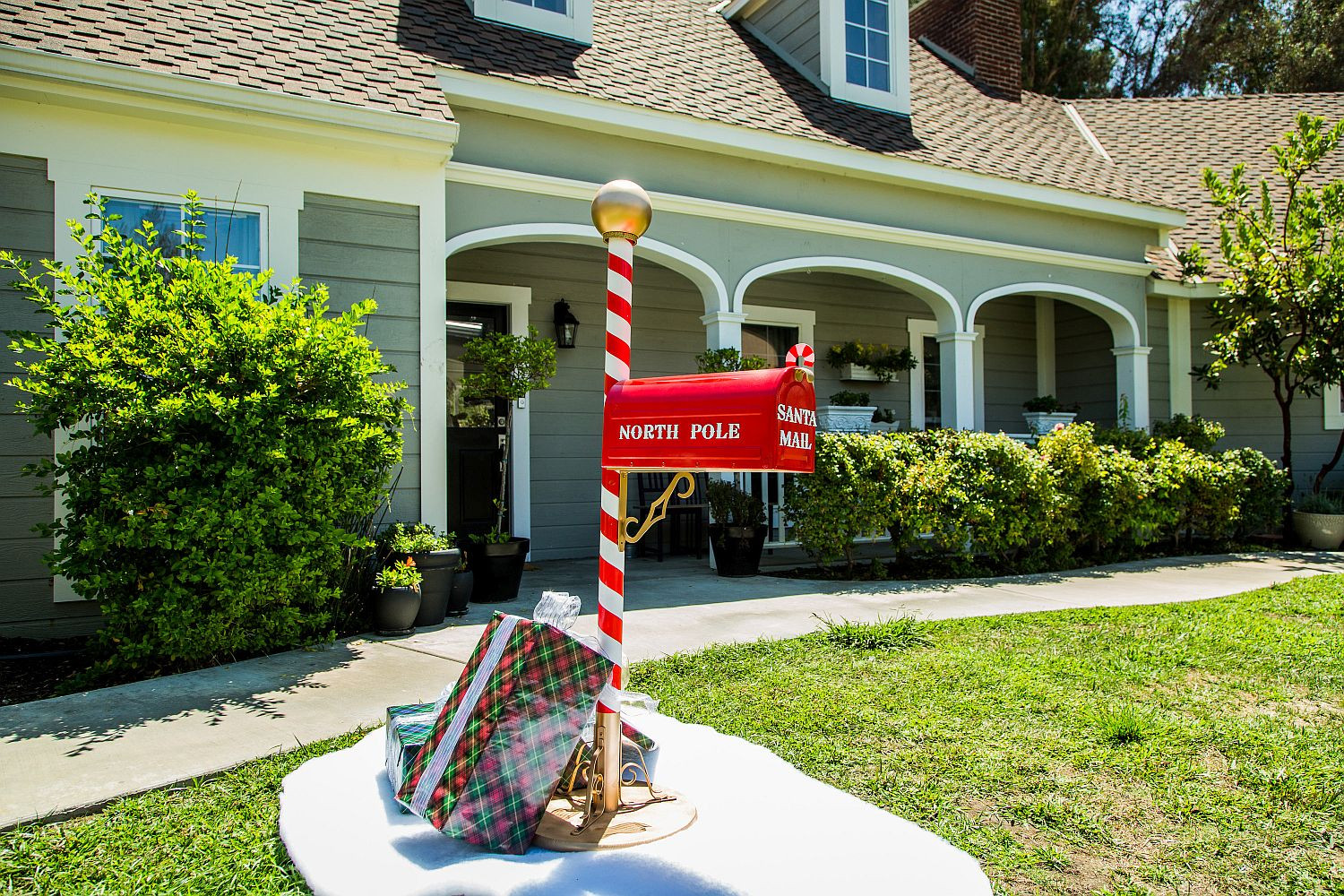 DIY Mailbox Ideas  10 Unique DIY Mailbox Ideas from the Festive to the Chic