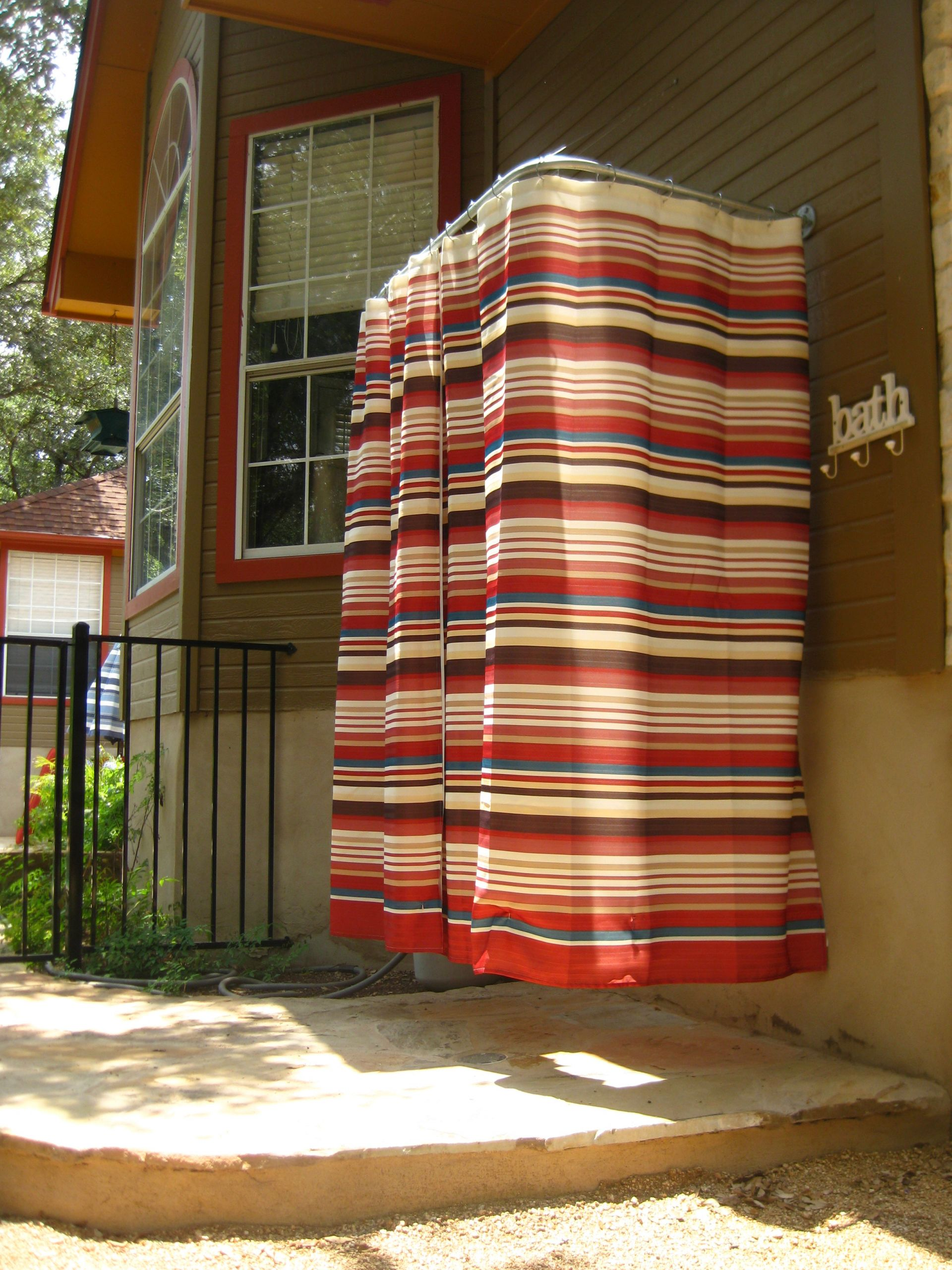 DIY Outdoor Curtain Rod  DIY outdoor shower rod – While Everyone Else Is Sleeping