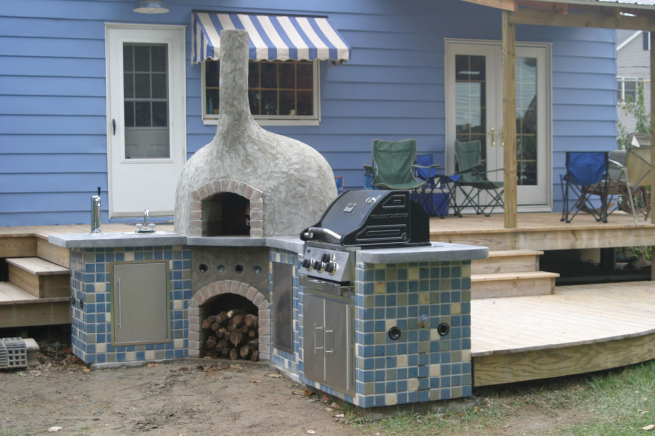 DIY Outdoor Oven  15 Wood Fired Pizza Bread Oven Plans For Outdoors Backing