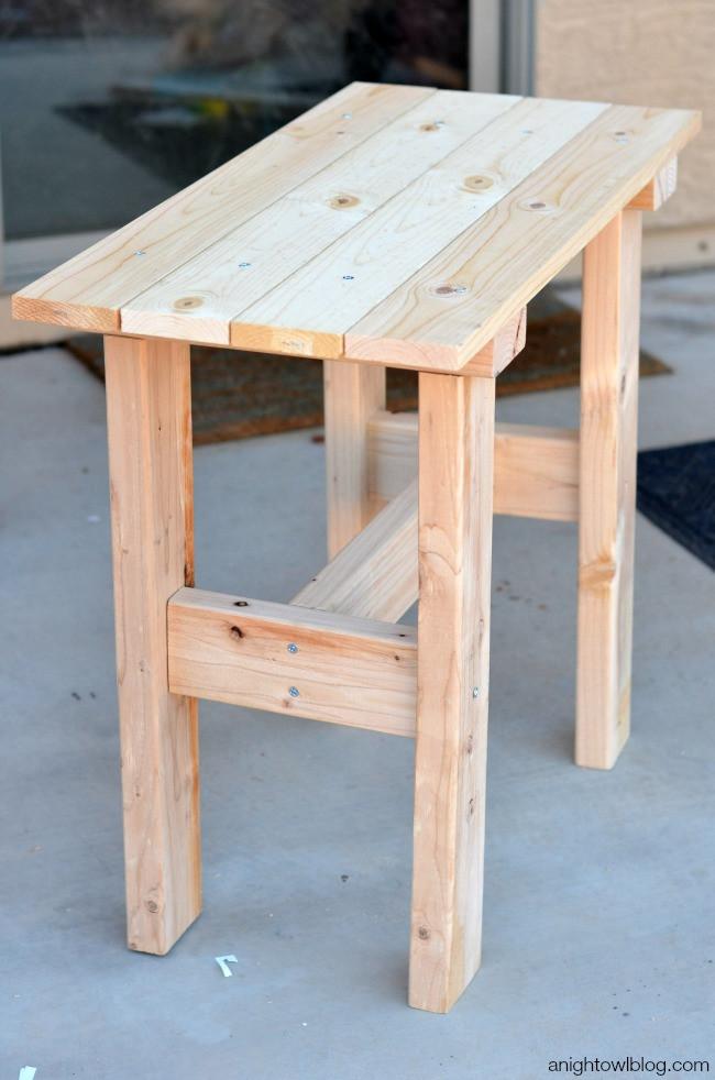 DIY Outdoor Wooden Table  DIY Porch Table