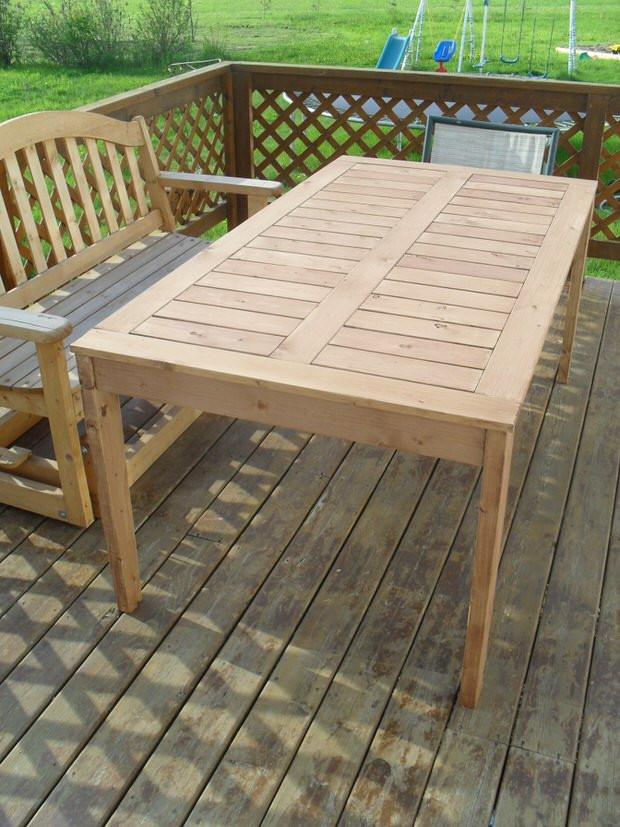 DIY Outdoor Wooden Table  DIY Outdoor Dining Tables