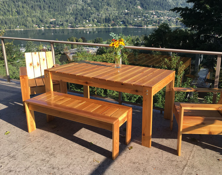 DIY Outdoor Wooden Table  Perfect DIY Patio Ideas & Projects • The Bud Decorator