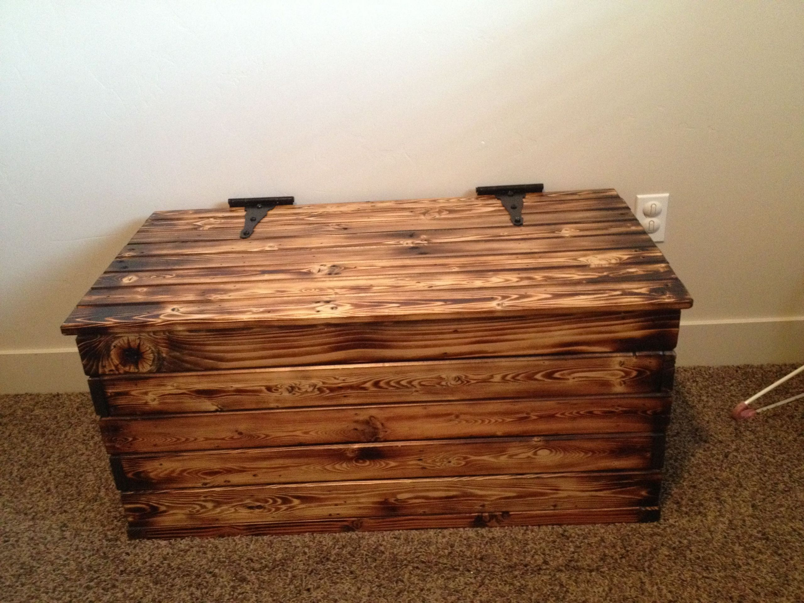 DIY Pallet Toy Box  DIY toy box made from old pallets Blow torched and glazed