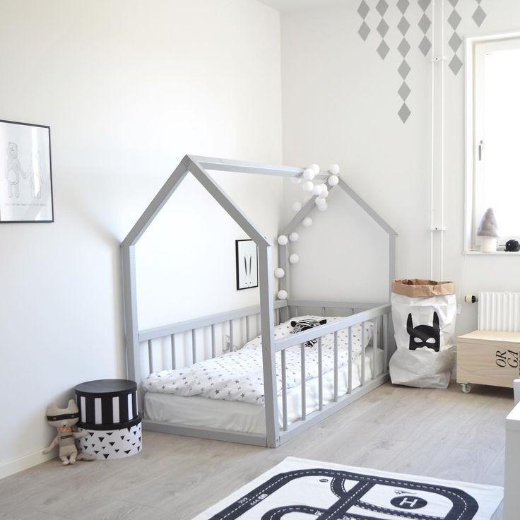 DIY Toddler House Bed  980 best Kinderzimmer Baby sache images on Pinterest