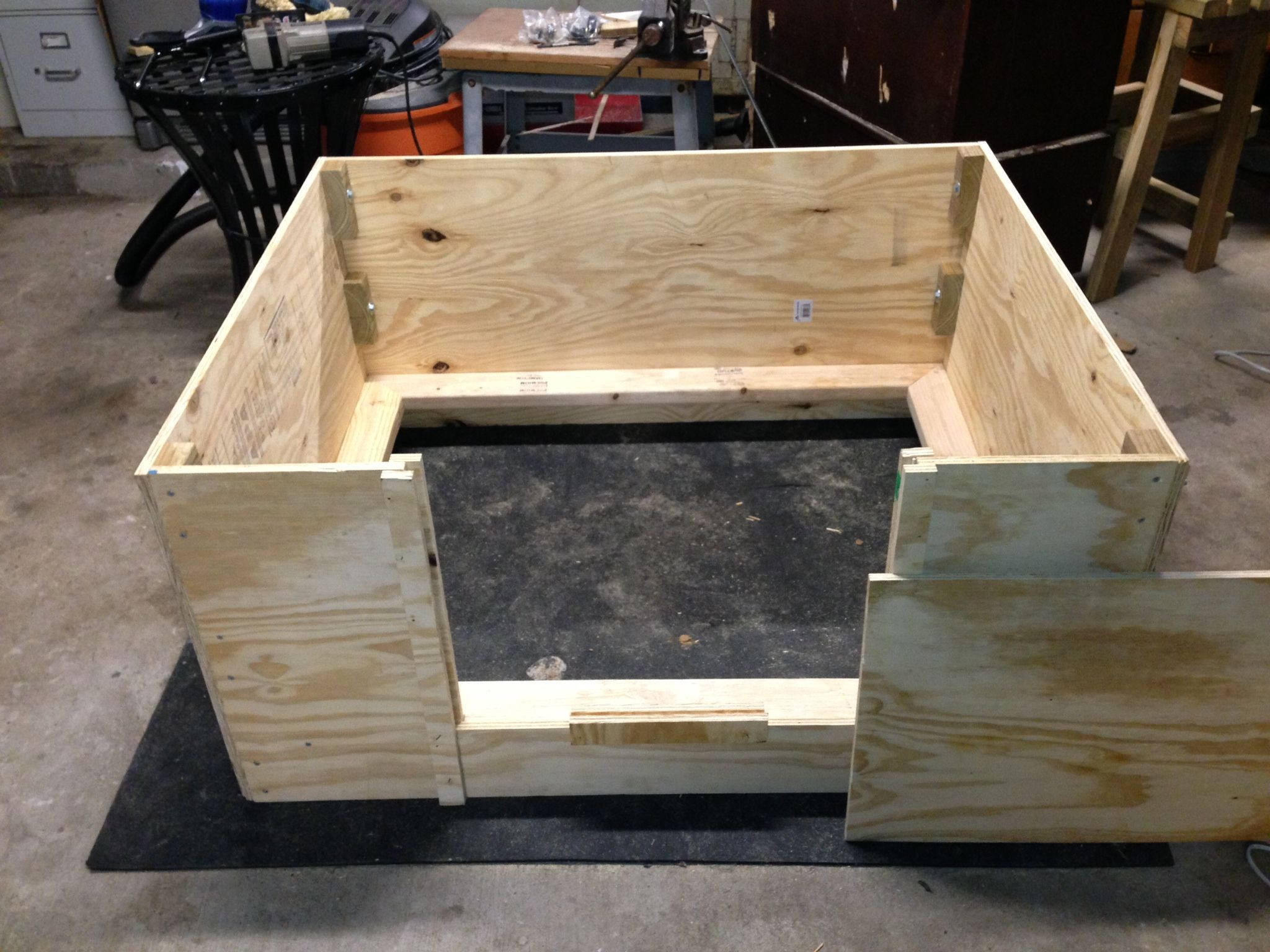 DIY Whelping Box  Modular whelping box Can fit in your trunk or easy