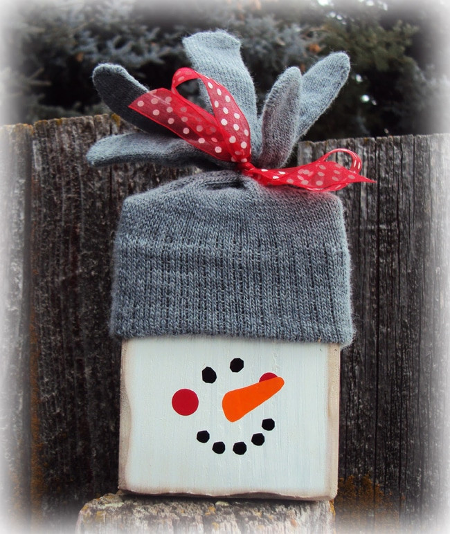 DIY Wooden Snowman  16 Utterly Perfect DIY Wood Christmas Decorations Pretty