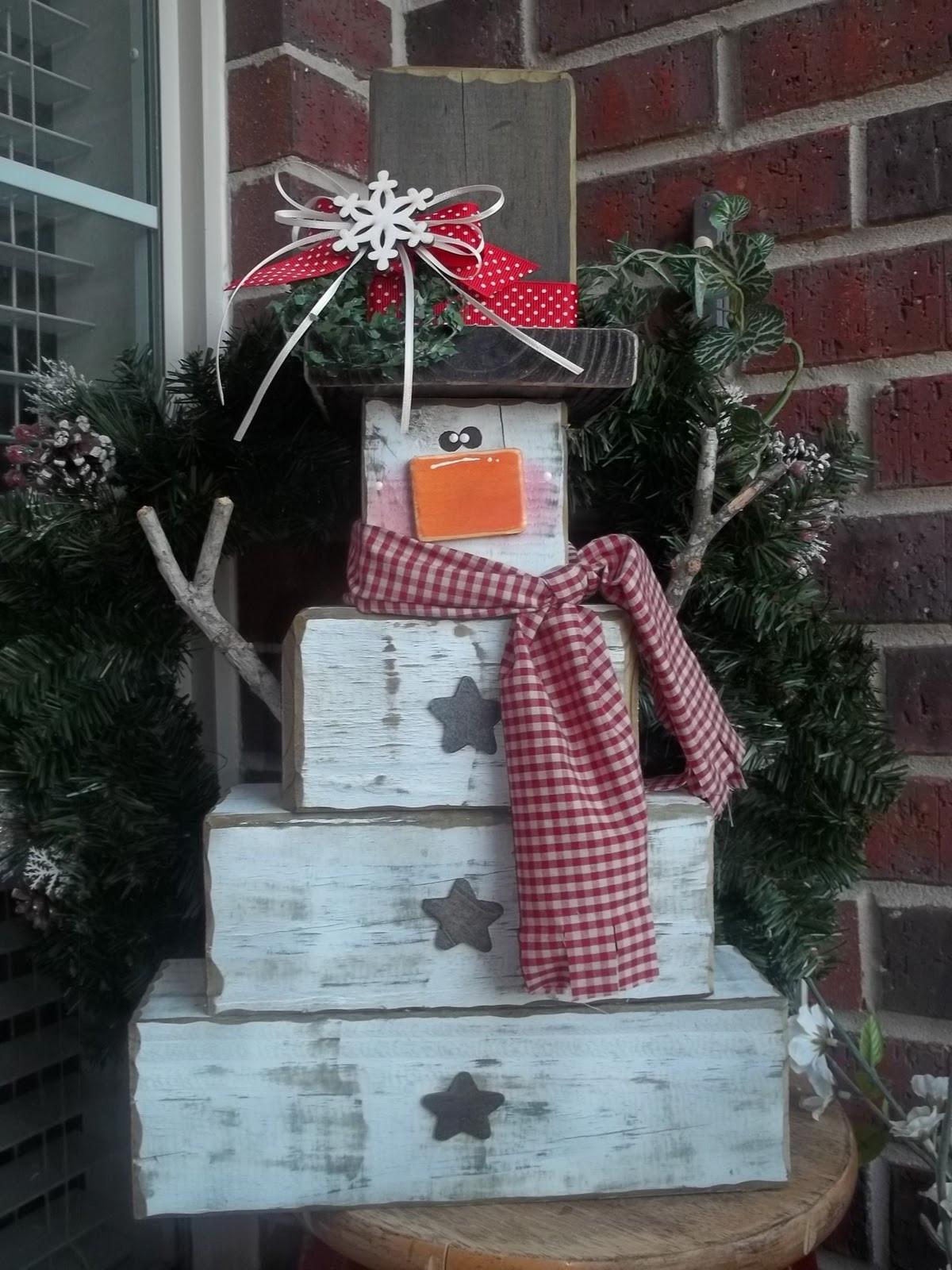 """DIY Wooden Snowman  Craft Goo s 4x4 """"No Melt"""" Snowman"""