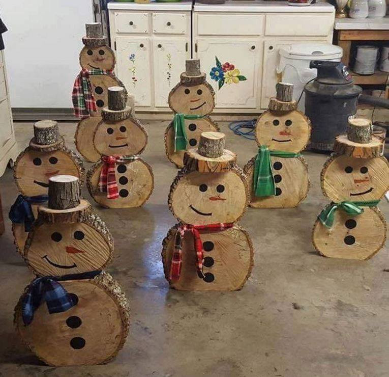 DIY Wooden Snowman  50 Unique DIY Christmas Decorations for a pletely