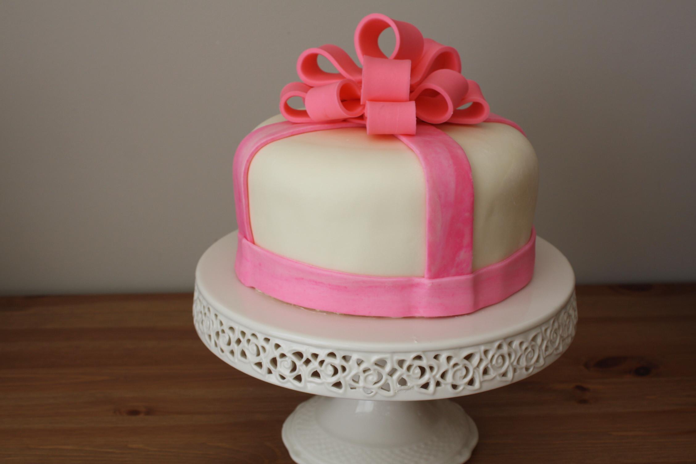 Fondant Birthday Cakes  birthday cakes