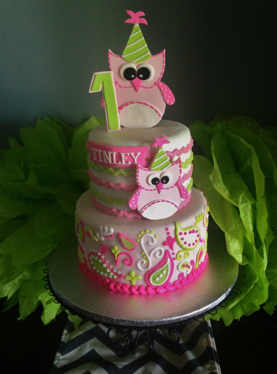 Fondant Birthday Cakes  Owl 1St Birthday Cake Fondant With Piped Buttercream
