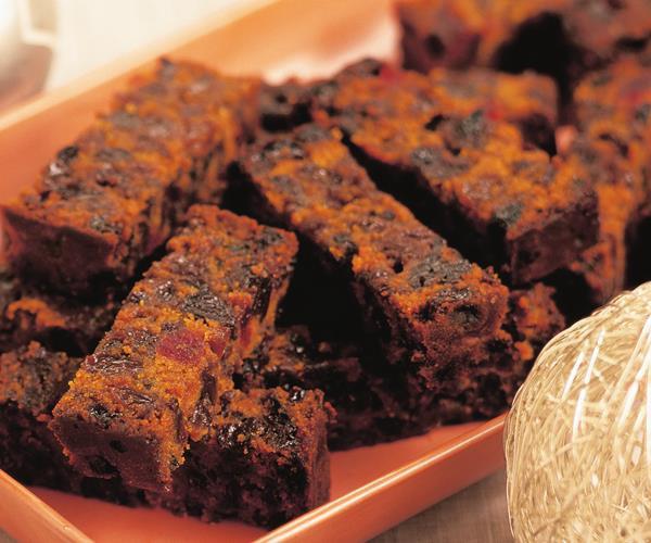 Fruit Cake Recipe Easy  Easy melt and mix fruit cake recipe