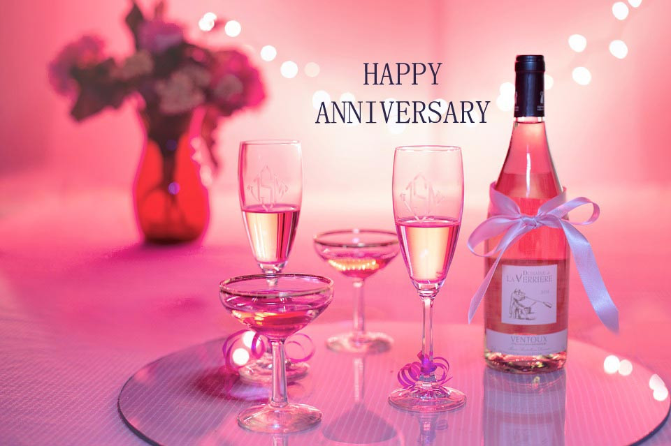 Gift Ideas For Anniversary Couple  10 Best Anniversary Gifts For Couples