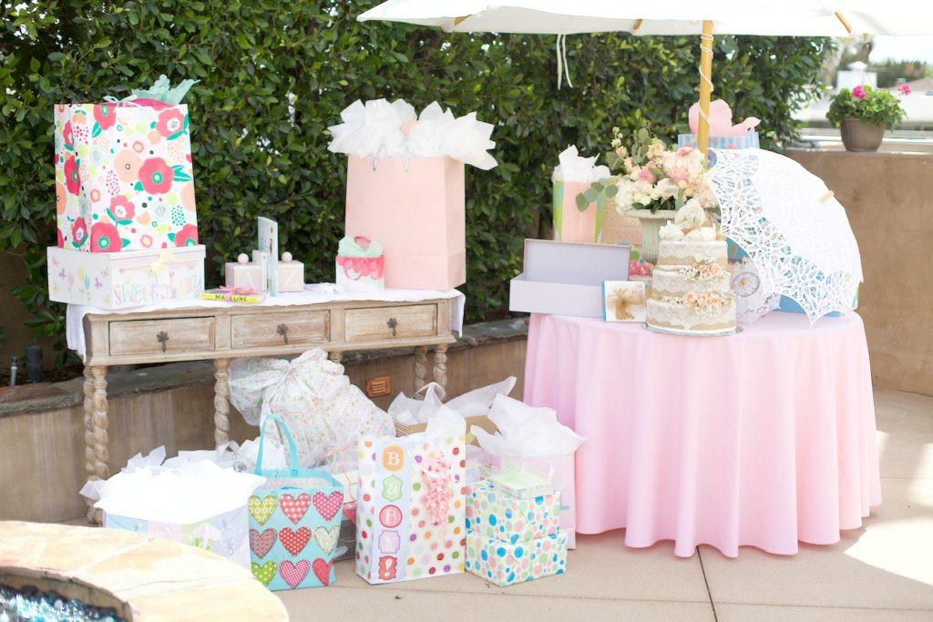 Gift Table Baby Shower Ideas  My Baby Shower La ModaLa Moda