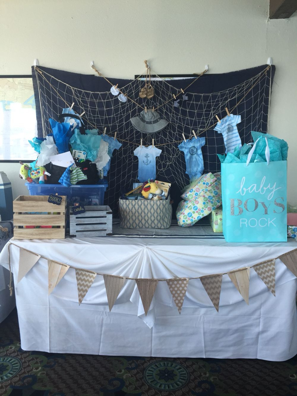 Gift Table Baby Shower Ideas  Baby boy shower t table