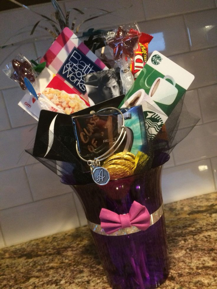 Grad Gift Ideas For Girls  8th grade girl graduation t card bouquet Used colors