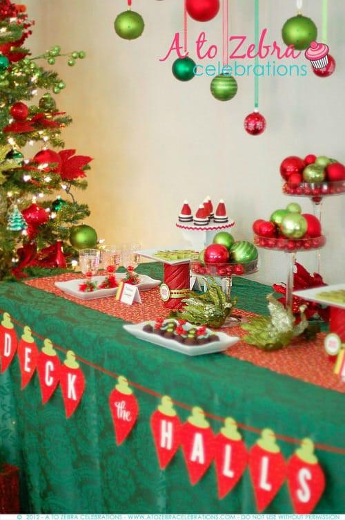 Holiday Party Decorating Ideas  Christmas Balloon Art