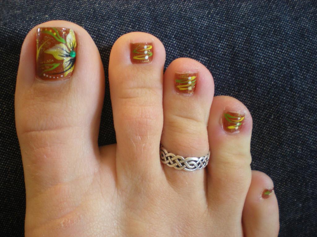 Images Of Toe Nail Designs  22 Fall Toe Nail Art Designs Ideas