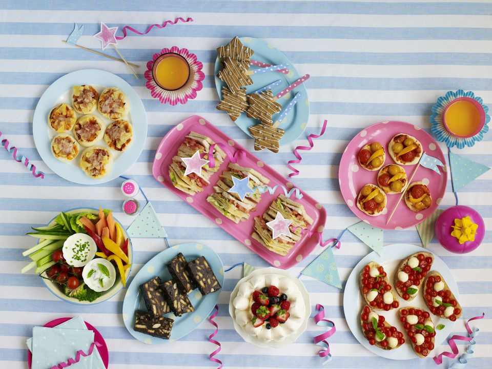 Inexpensive Graduation Party Food Ideas  How to Host a Cheap but Nice Graduation Party