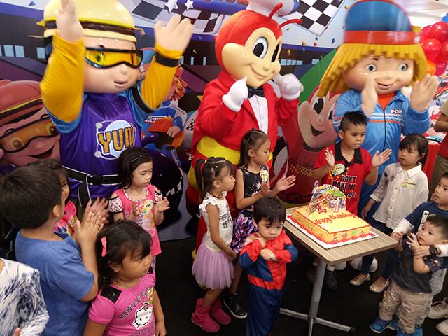 Jollibee Kids Party  Jollibee New Birthday Party Theme Jollirace