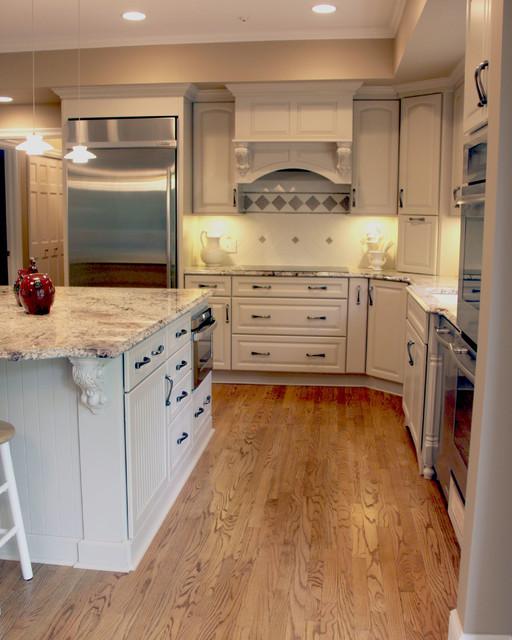 Kitchen Under Cabinet Lighting Options  Under cabinet Lighting Ideas Cleveland Traditional