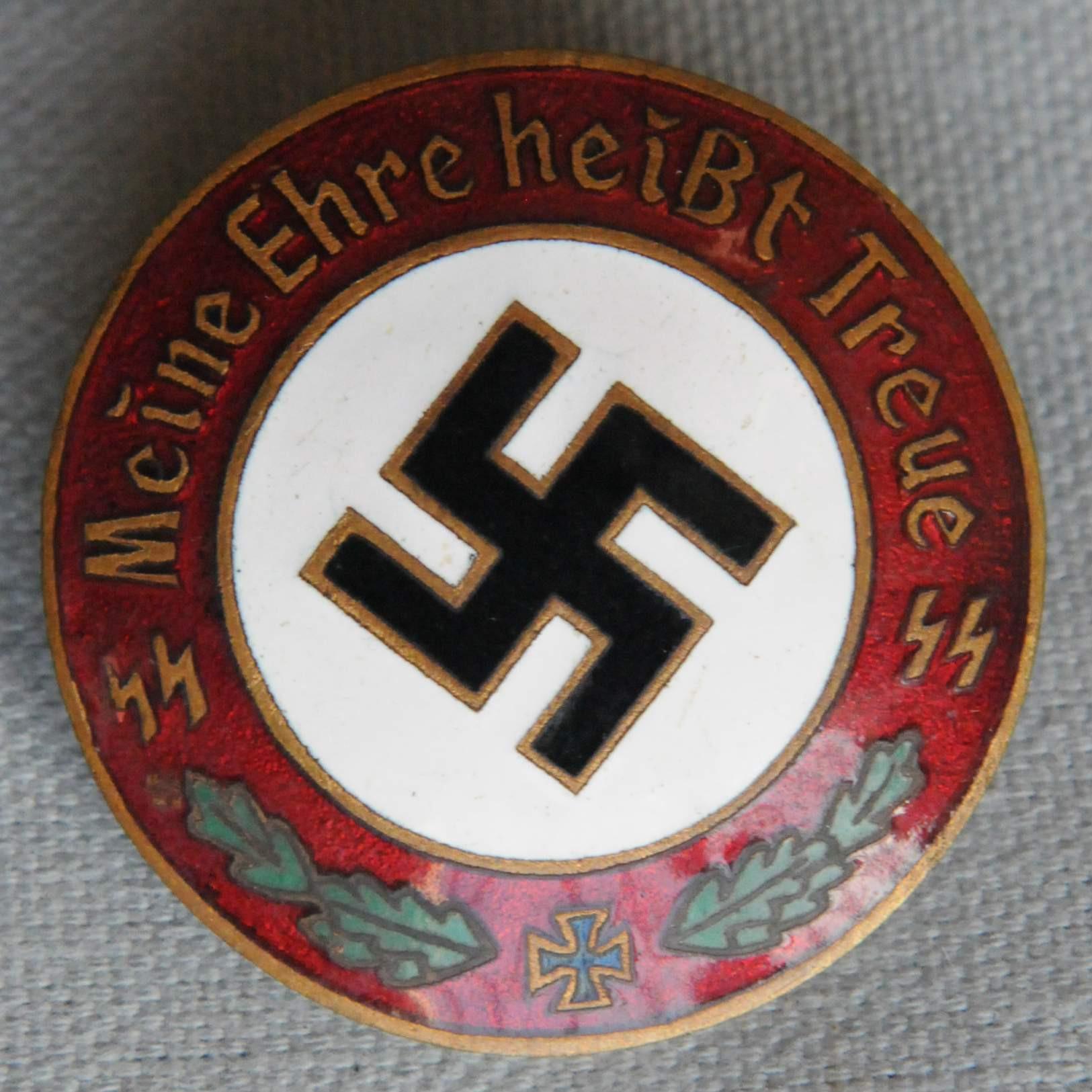Meine Pins  Meine Ehre heißt Treue Badge
