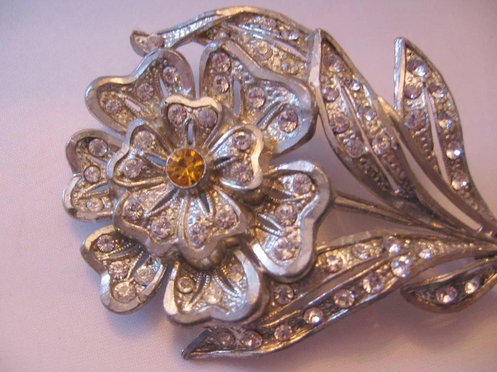Metal Brooches  Vintage Pot Metal Floral Rhinestone Pin Brooch Vintage