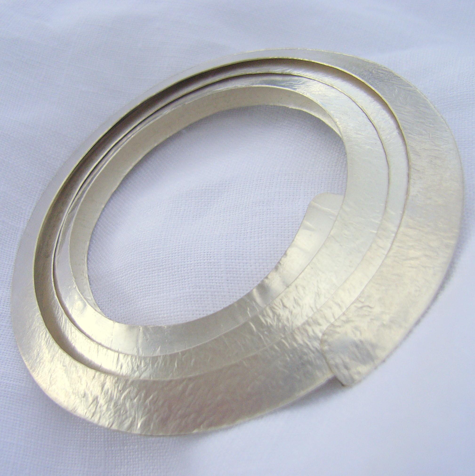 Metal Brooches  Circle silver brooch