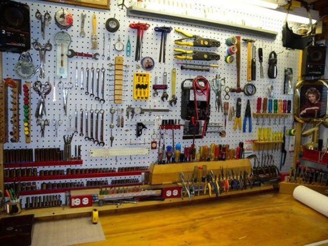Organize Garage Workshop  34 Practical And fortable Garage Organization Ideas