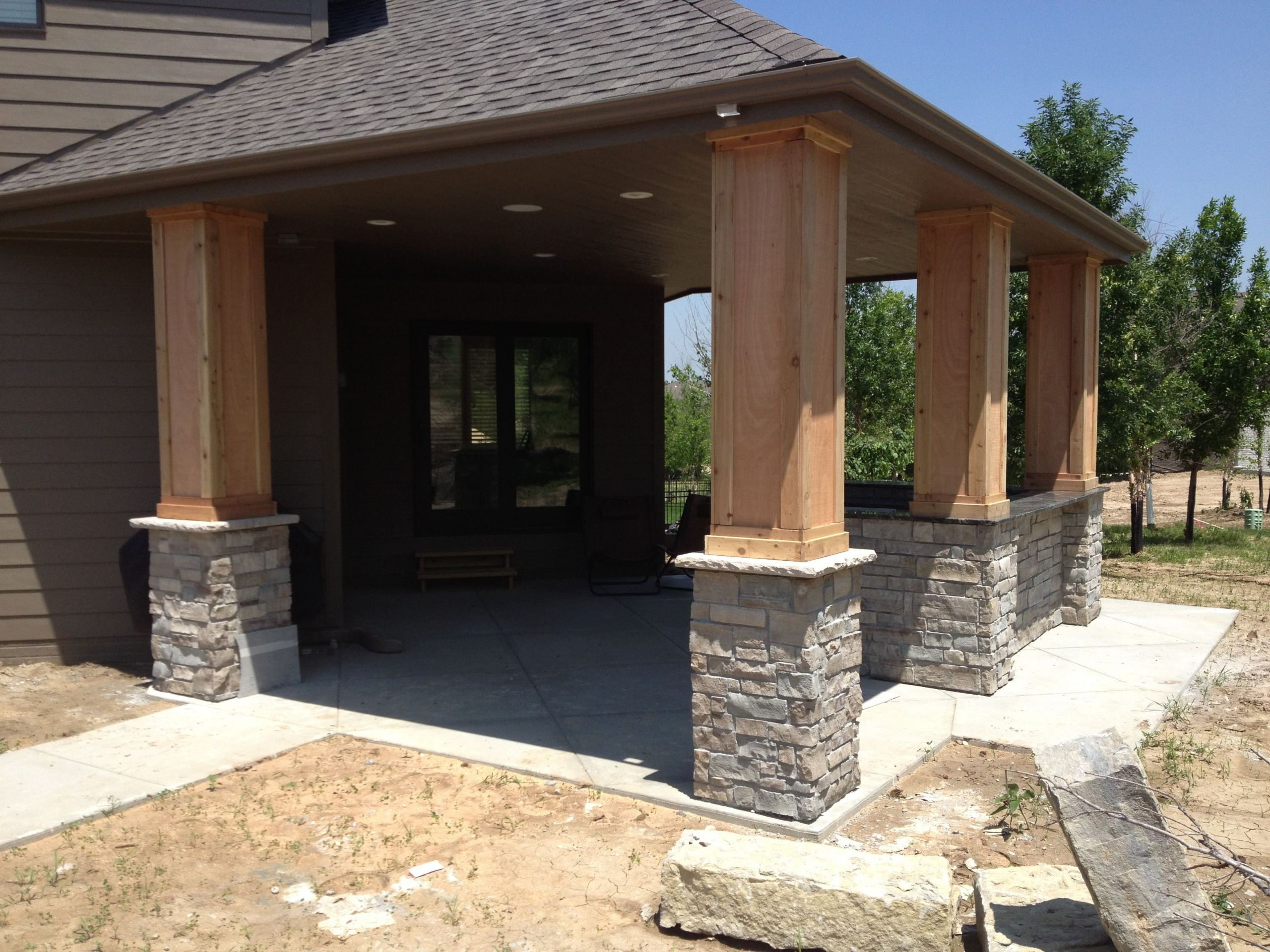 Outdoor Kitchen Omaha  Stone Cedar Columns Granite Outdoor Kitchen Omaha Ne NRT