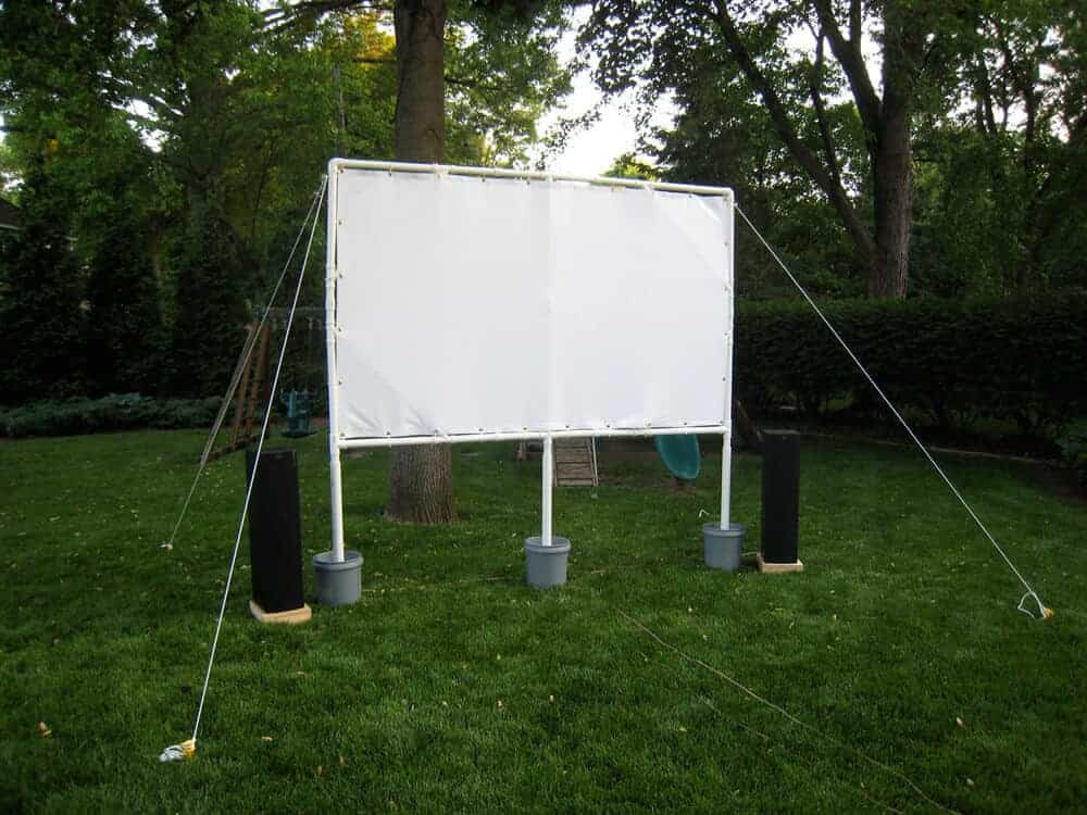 Outdoor Movie Screen DIY  How to Make Your Own Backyard Movie Theater & The BEST