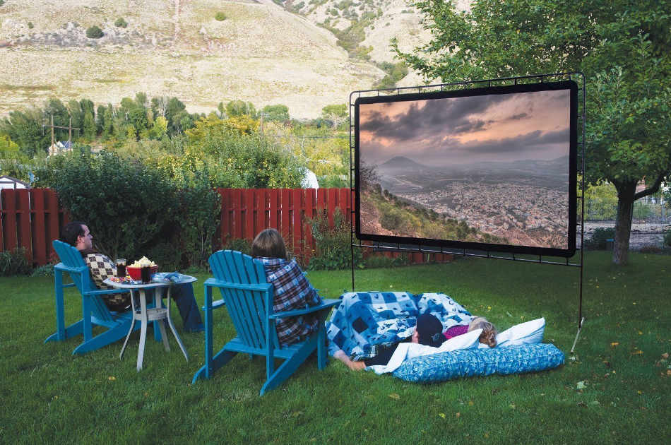 Outdoor Movie Screen DIY  How to Make an Outdoor Movie Screen DIY Projects Craft