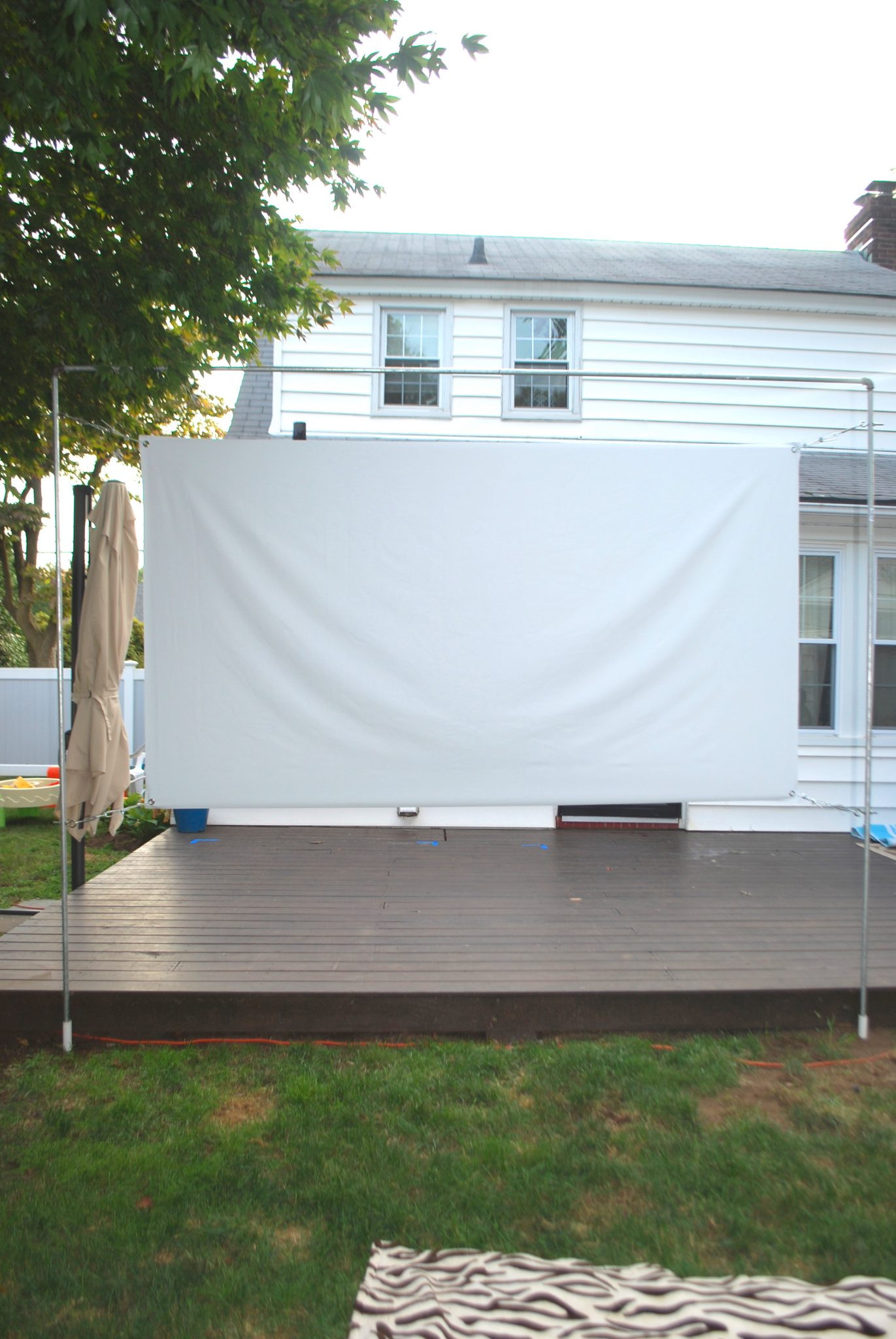 Outdoor Movie Screen DIY  DIY OUTDOOR MOVIE SCREEN AND STAND Showit Blog