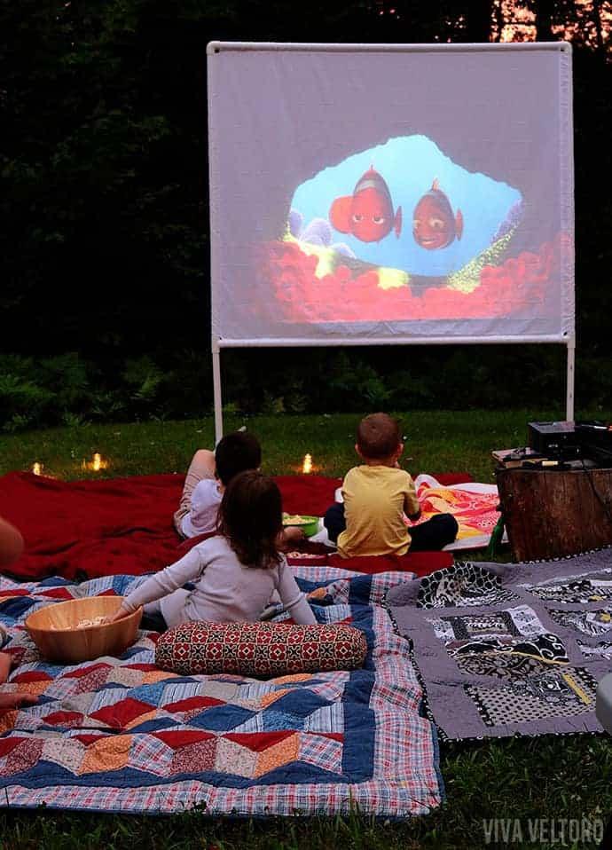 Outdoor Movie Screen DIY  DIY Outdoor Movie Screen Tutorial