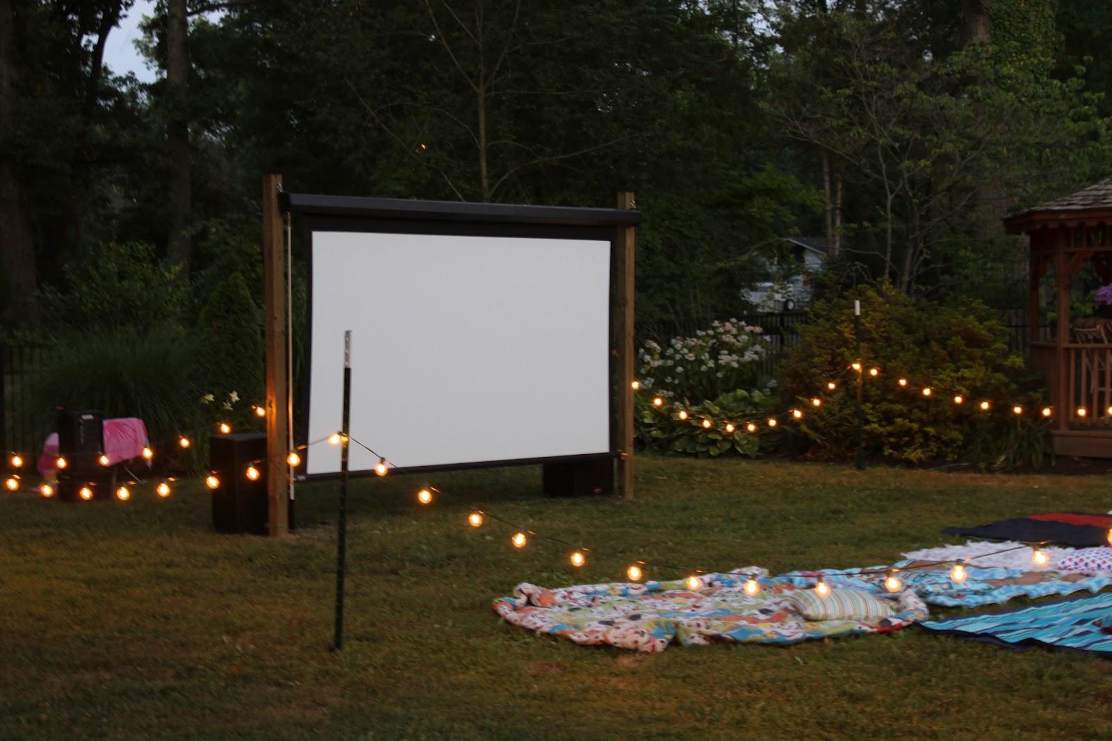 Outdoor Movie Screen DIY  Easy DIY Outdoor Cinema Will Make Your Yard The Ultimate